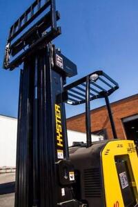 "2007 HYSTER ELECTRIC STACKER FORKLIFT 4000LB CAPACITY 3STAGE MAST(188"" HIGH) WITH SIDE SHIFT PERFECT RUNNER MUST SEE A++"