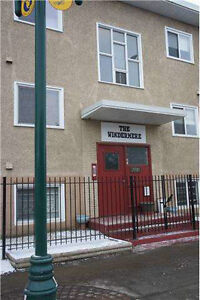1 bedroom apartment 2 blocks from MacEwan with incentives**