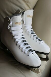 Dominion Canada figure ice skates size 8 US genuine leather Like