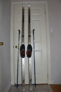 Cross country ski set men's 210 cm skis w/ SNS bindings and EU 4