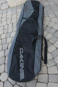 Dakine snowboard bag 155 cm with handles and shoulder straps in