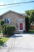 3 bd/2bth town house with beautiful yard - $1300 ++!