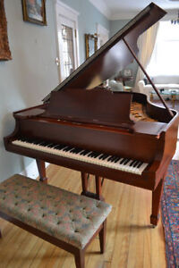 """STEINWAY & SONS LIVING ROOM GRAND PIANO 5'7"""""""