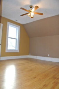 2+ bdrm character apartment available! 1/2 OFF PROMO!