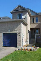 3 BDR townhouse in west Barrie for rent avail. Oct.1st