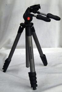 Compact Advanced aluminium camera tripod with 3-way head, Black