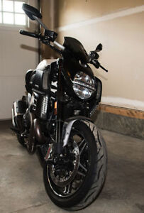 Rare Mint Condition Ducati Diavel AMG Limted Edition