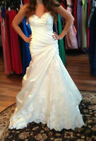 WEDDING DRESS!! WANT IT GONE!!
