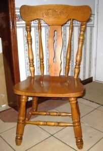 Beautiful Solid HardWood High Back Wide Chair in great condition