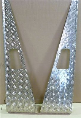 LAND ROVER DEFENDER 90/110 CHEQUER WING TOPS  *** BRAND NEW, PUMA STYLE