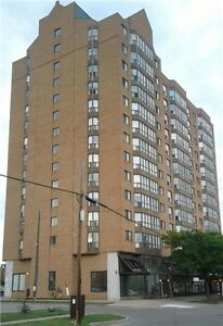 *Sale by Owner, Beautiful 1 bedroom + den condo in Mississauga*
