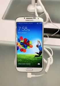Samsung Galaxy S4, Unlocked. W/ Warr. Christmas BlowOut Sale