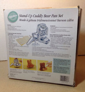 **NEW IN BOX** Wilton Stand-up Cuddly Bear Pan Set Cambridge Kitchener Area image 2