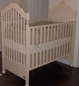 Amazing Off-white Morigeau Lepine Crib with Drawer