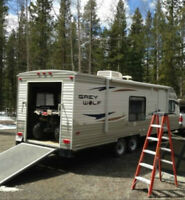 28' Toy Hauler Camping Trailer- Great condition!