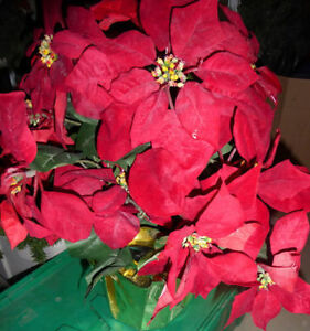 Large fake poinsettia, very good condition