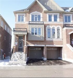 Townhouse 4 Bed, 3 Bath