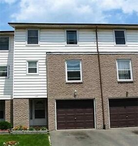 Beautiful Above Ground Townhome For Sale In Mississauga!
