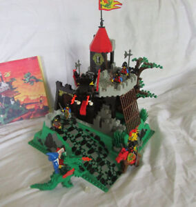 Lego set 6082 Fire Breathing Fortress