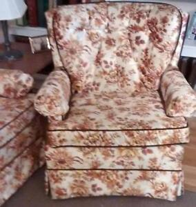 sofa and chair Gatineau Ottawa / Gatineau Area image 3