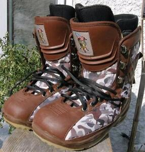 Men's World Industries Snowboard Boots Size 8 Brown CAMO VGC