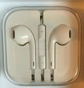 BRAND NEW IPHONE EARPODS