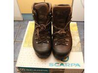 Scarpa Delta GTX hiking boots size 9