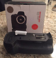 Battery Grip for Nikon D800-D800E-D810 Brand new in Box $75.00