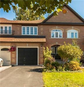 Elegant 3Br Townhouse For Rent In Richmond Hill/Oak Ridges!