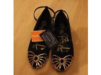 Debenhams Navy with Gold trim Shoes size 5 NEW with Tags