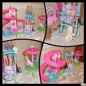 Barbie - Parc 7 chiens - Tourniquet - lot 2 jeux - 25$