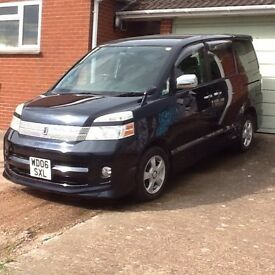 TOYOTA VOXY 8 SEAT MPV 2006 2LTR £4995.00 MIGHT P/X FOR SMALL 5DOOR AUTO