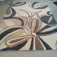 BEAUTIFUL BRAND NEW 5' X 7' AREA RUG- 100% PURE NEW WOOL!