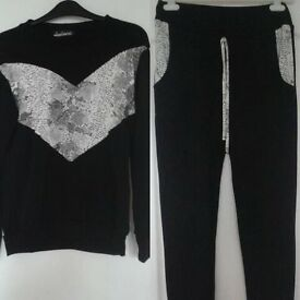 Black And White Womens Tracksuit, S-M