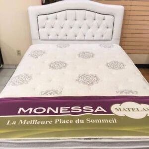BED SET QUEEN +MATTRESSES / SET DE LIT AVEC MATELAS