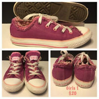 GIRLS CONVERSE LOWTOP SIZE 1