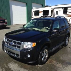 BEST DEAL ONLINE! 2010 Ford Escape LIMITED EDITION