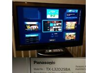 Panasonic Viera SMART TX-L32D25B 32 HDLCD TV with Freeview HD and Freesat HD