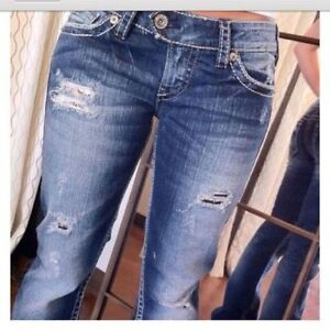 SILVER 'TUESDAY' BOOTCUT STYLE JEANS / CAPRIS DISTRESSED 29X31