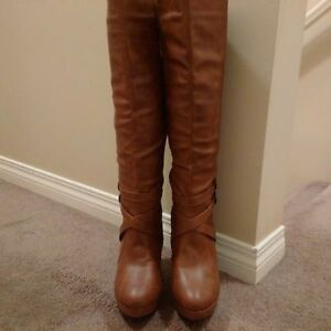 Stiletto Heeled Knee High Tan / Brown Boots Size 10