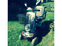 KYMCO FOR U MAXI XLS BLACK SILVER - 8Mph Road Legal Mobility Scooter, Range 35 Miles