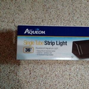 Aqueon Deluxe Single T8 Fluorescent Strip Light - Black - 36""