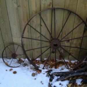 Assorted Iron/Metal Pieces for Home/Outdoor Decor
