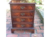 Wooden small4 drawer chest