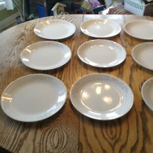 "VTG 10 GRANDES ASSIETTES ""CORELLE BY CORNING"" MADE IN USA Gatineau Ottawa / Gatineau Area image 1"