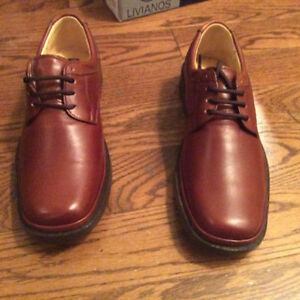 Livianos Men's Leather Shoe (brand new) - Size 9 - 9.5