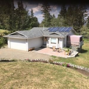 Come and see this lovely rancher with a fully finished basement
