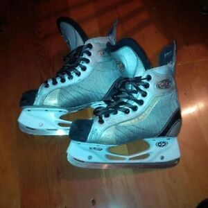 18x Hockey and Goalie Skates, sizes Yth10 - Adult 8 Kitchener / Waterloo Kitchener Area image 3
