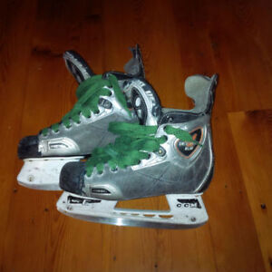 18x Hockey and Goalie Skates, sizes Yth10 - Adult 8 Kitchener / Waterloo Kitchener Area image 5