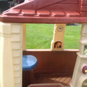 Want a CLEAN Basically New Playhouse inside for Winter? Strathcona County Edmonton Area image 3